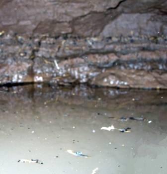 Последствия выборки плывуна желонкой - полость внутри скважины